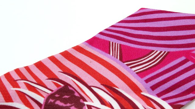 HERMES エルメス トゥイリー レッド/ピンク シルク スカーフ 【472】
