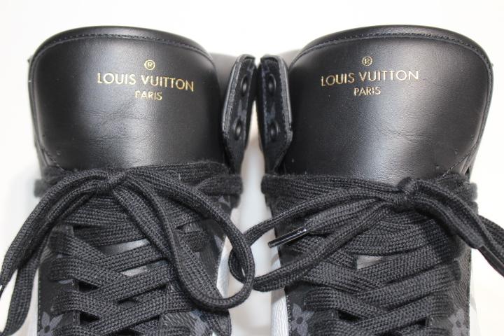 LOUIS VUITTON ルイヴィトン リヴォリ・ライン スニーカー メンズ9ハーフ 約28cm マルチ ホワイト PVC モノグラム 2020年 定価:¥122,100- 1A44VQ【200】 image number 4