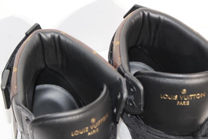 LOUIS VUITTON ルイヴィトン リヴォリ・ライン スニーカー メンズ9ハーフ 約28cm マルチ ホワイト PVC モノグラム 2020年 定価:¥122,100- 1A44VQ【200】 image number 5